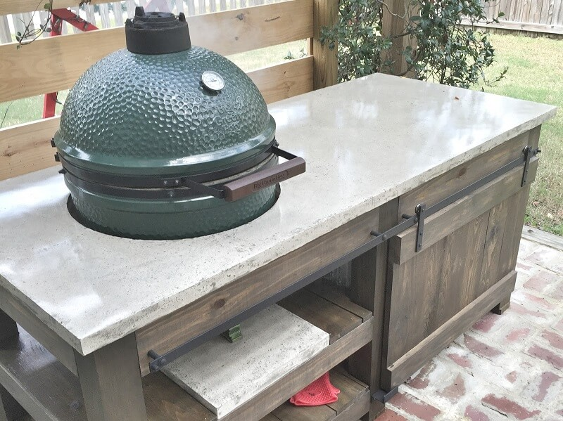 Concerte countertop with outdoor grill
