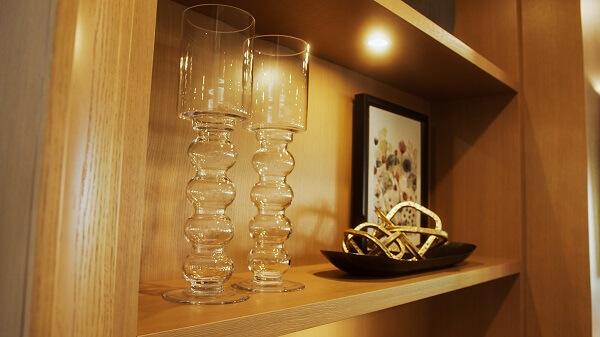 Glass and decor style on a shelf