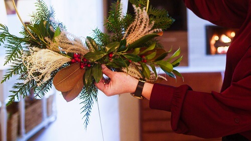 Fresh and complete Christmas wreath