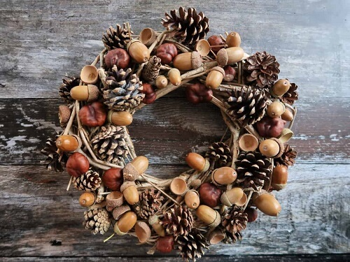 Various pinecone and acorn wreath