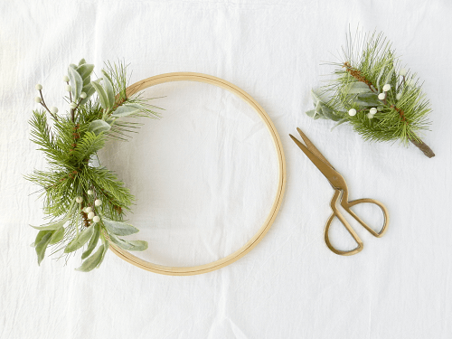 Modern and simple wreath